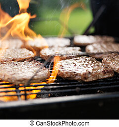 gril, grillade, hamburgers, flammes, charbon de bois