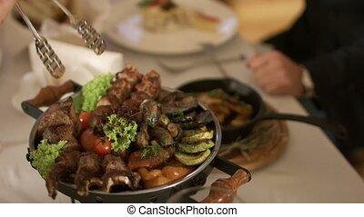 gril, légumes, appétissant, viande cuite