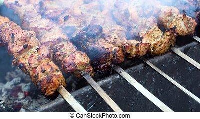 grillé, porc, délicieux, chiche-kebab, dehors