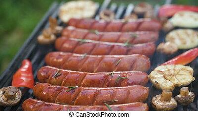 grillé, saucisses, légumes, gril