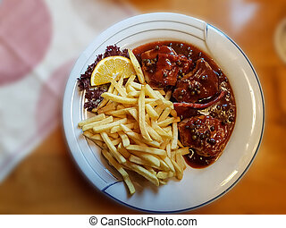 Grill plate with french fries