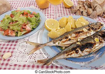 Grilled atlantic horse mackerel meal