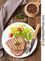 grilled beef with salad
