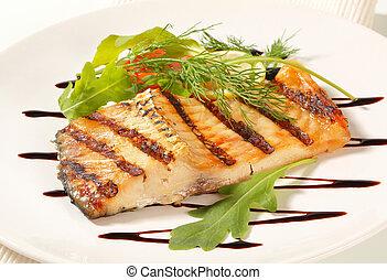Grilled carp fillet with balsamic vinegar