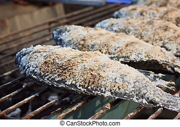 grilled fish at market