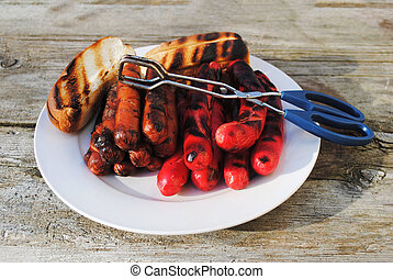 Grilled Hotdogs with Buns
