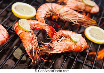 Grilled prawns - Fresh grilled prawns on fire