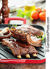 Grilled ribs with barbeque sauce