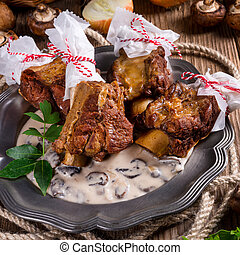 Grilled rinderrippchen with mushroom sauce