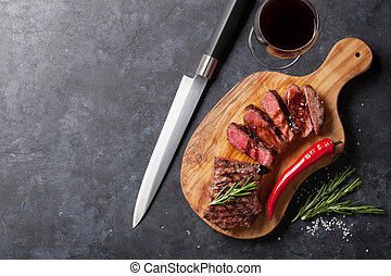 Grilled striploin steak and red wine - Grilled striploin ...