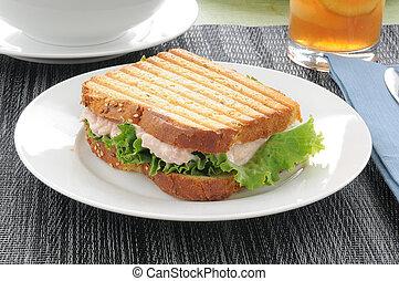 Grilled tuna sandwich