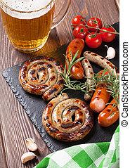 grillezett, sör, hurkák, bögre