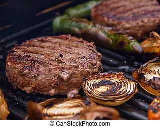 grilling, zelfgemaakt, hamburgers, op, een, grill, bbq