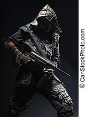 grimy, sobrevivente, com, caseiro, armas
