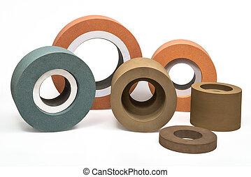 Grinding and polishing wheels