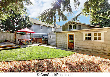 gris, house., yard, dos, pont