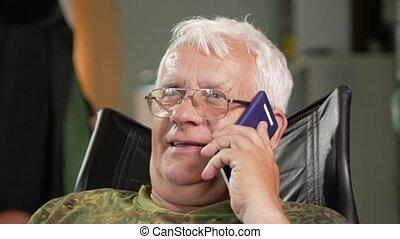 gris, sien, séance, cuir, habillé, âge, lunettes, cheveux, conversation, téléphone., mobile, chaise, homme