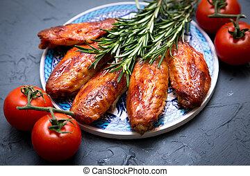 gris, sombre, arrière-plan., poulet, frit, ailes