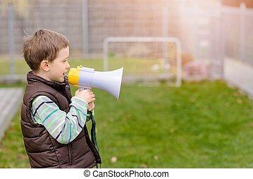 gritos, menino, megafone, algo