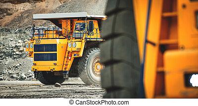 groß, gelber , bergbau, truck., belaz.