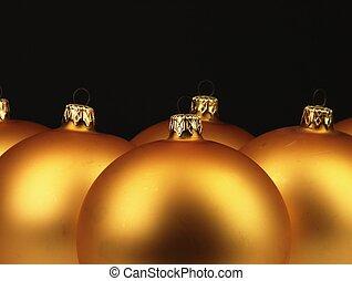 groß, goldenes, weihnachten, kugeln, auf, schwarzer hintergrund