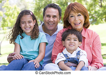 großeltern, posierend, enkelkinder