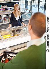 grocery slaan op, flirten