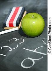 groene appel, op, chalkboard, met, easer