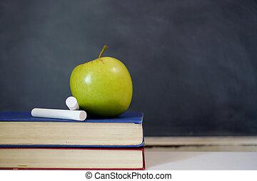 groene appel, op, oud, schoolboek
