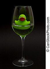 groene, badeend, in, een, wijnglas