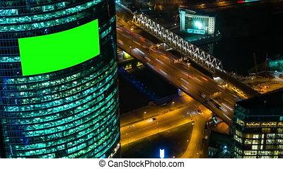 groene, buitenreclame, -, scherm, gebouw, verkeer, auto's, timelapse, leeg, nacht
