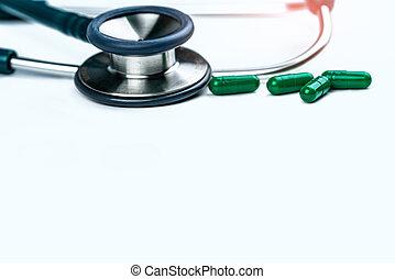 groene, gebruiken, overuse., antibioticum, medisch, reasonable., capsule, arts., globaal, weerstand, medicijn, vier, uitrusting, healthcare., stethoscope, antimicrobial, witte , tafel., pillen