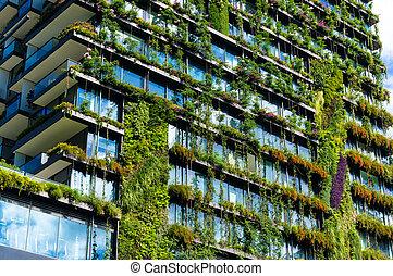 groene, wolkenkrabber, gebouw, met, planten, op, de, facade