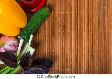 groentes, in, wicker, houten, achtergrond
