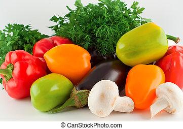 groentes, peper, aubergine, paddestoelen, peterselie, fennel.