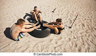 groep, crossfit, atleten, routine, strand, oefening