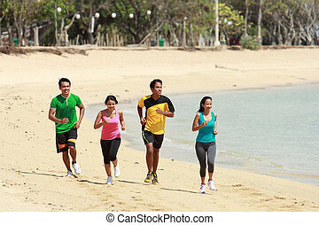 groep mensen, rennende , op, strand, sportende, concept