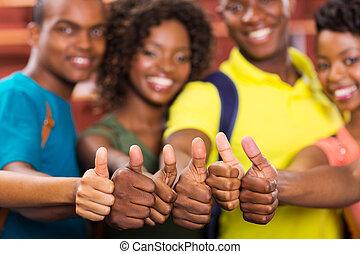 groep, op, amerikaan, duimen, afrikaan, vrienden