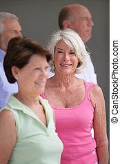 groep, oudere mensen