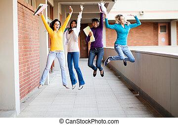 groep, scholieren, op, springt, universiteit, vrouwlijk
