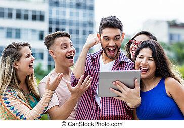 groep, tablet, scholieren, juichen, computer, hipster, student, spaanse , internationaal