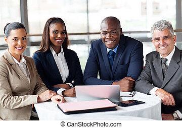 groep, van, businesspeople, in, kantoor