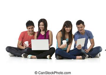 groep, van, chinees, vrienden, gebruik, moderne, technology.