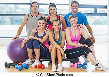 groep, van, fitheid brengen onder, op, een, helder, oefening, kamer