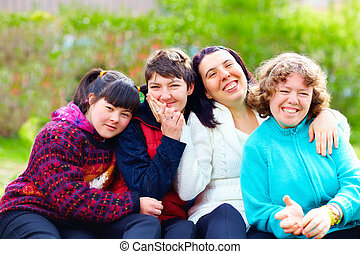 groep, van, gelukkige vrouwen, met, onbekwaamheid, hebbend...
