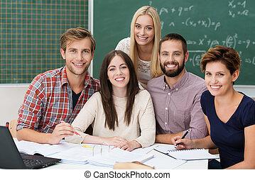 groep, van, gemotiveerde, scholieren