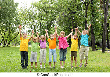 groep van kinderen, in het park