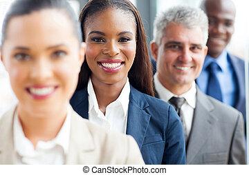 groep, van, multiracial, zakenlui