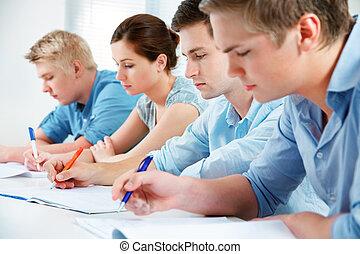 groep, van, scholieren, in, klaslokaal