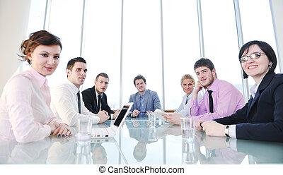 groep van zakenmensen, op, vergadering